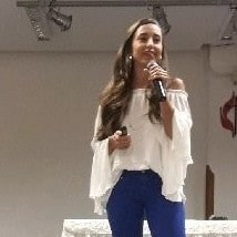 Júlia Alves